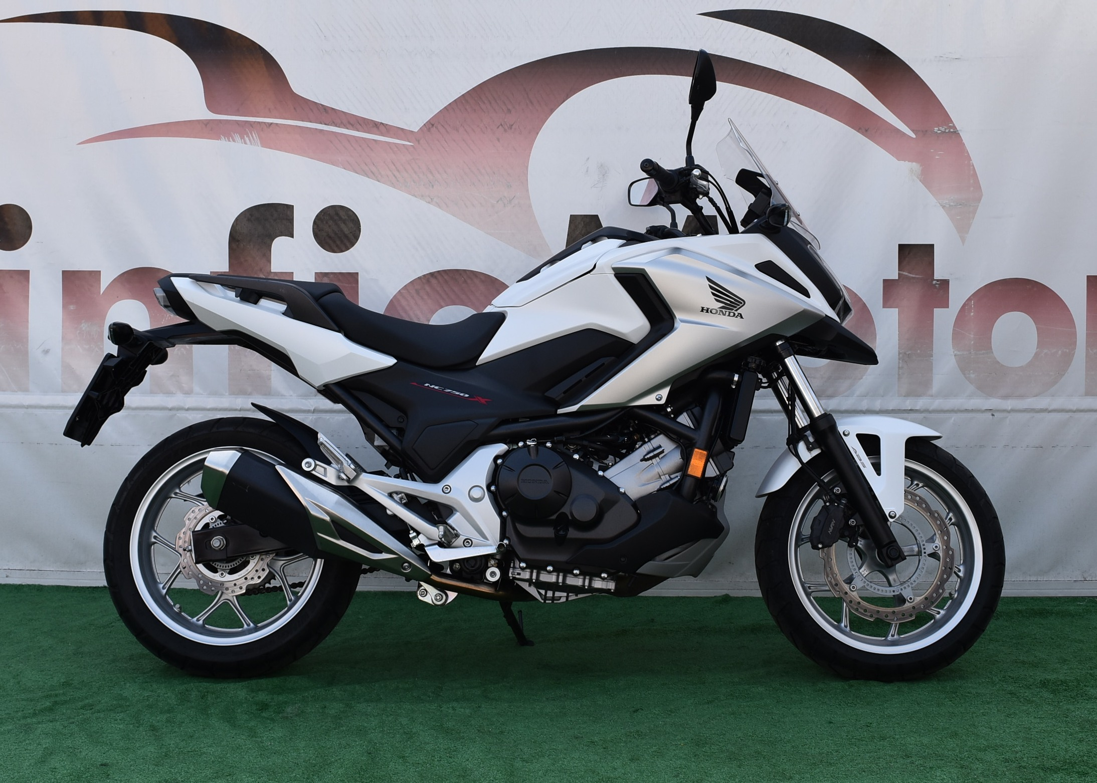 HONDA NC 750 X ABS – 2017 WHITE