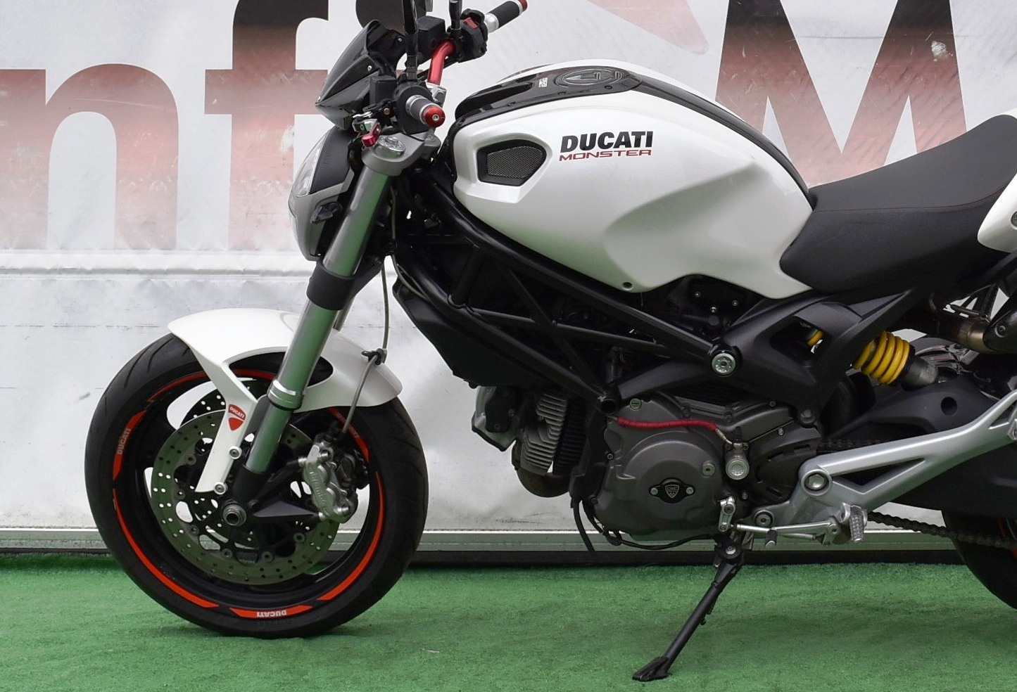 DUCATI MONSTER 696+ CARB. – 2008