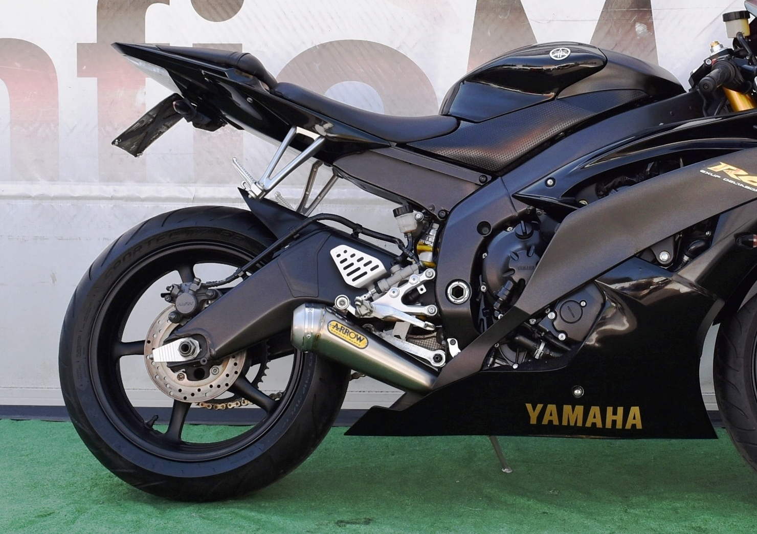 YAMAHA R6 – 2008