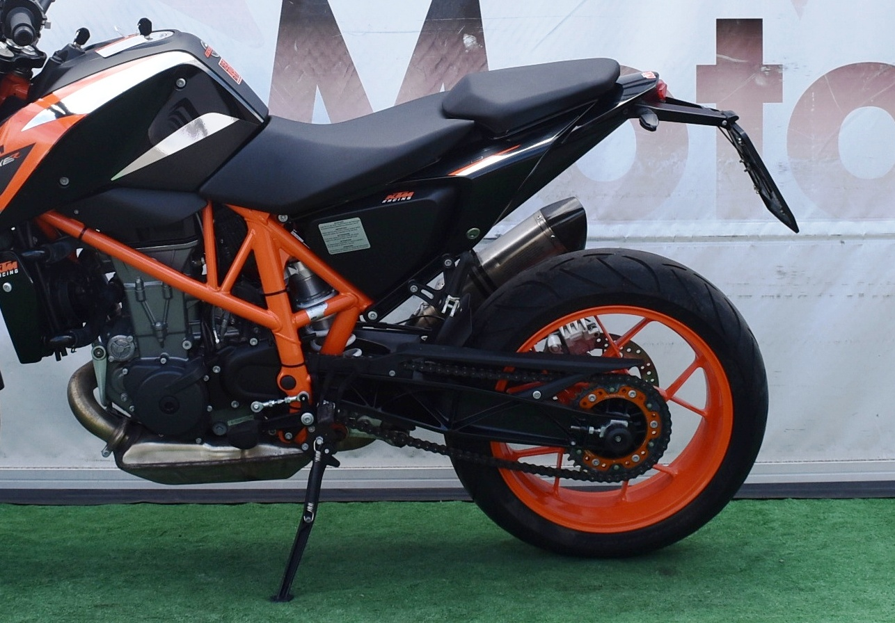 KTM DUKE 690 R – 2016