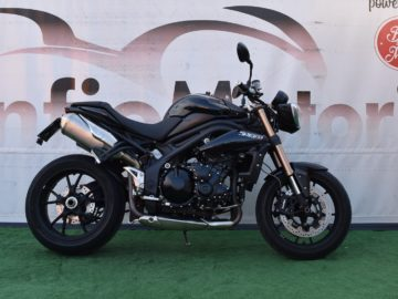 TRIUMPH SPEED TRIPLE – 2010