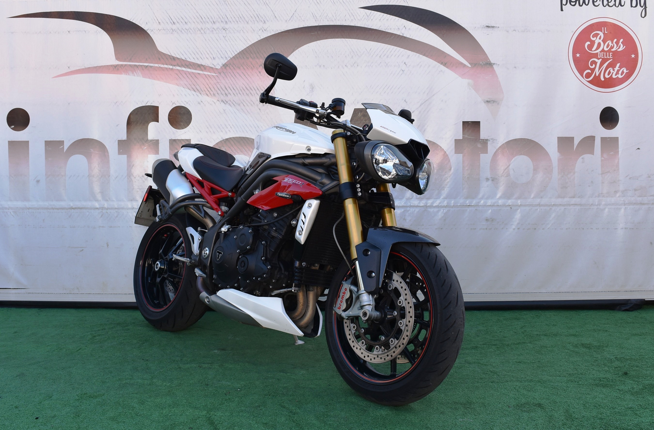 TRIUMPH SPEED TRIPLE R ABS – 2016