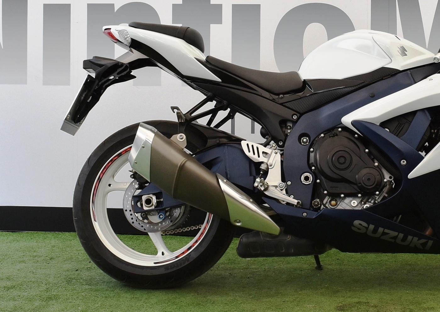 SUZUKI GSX R 600 – 2010