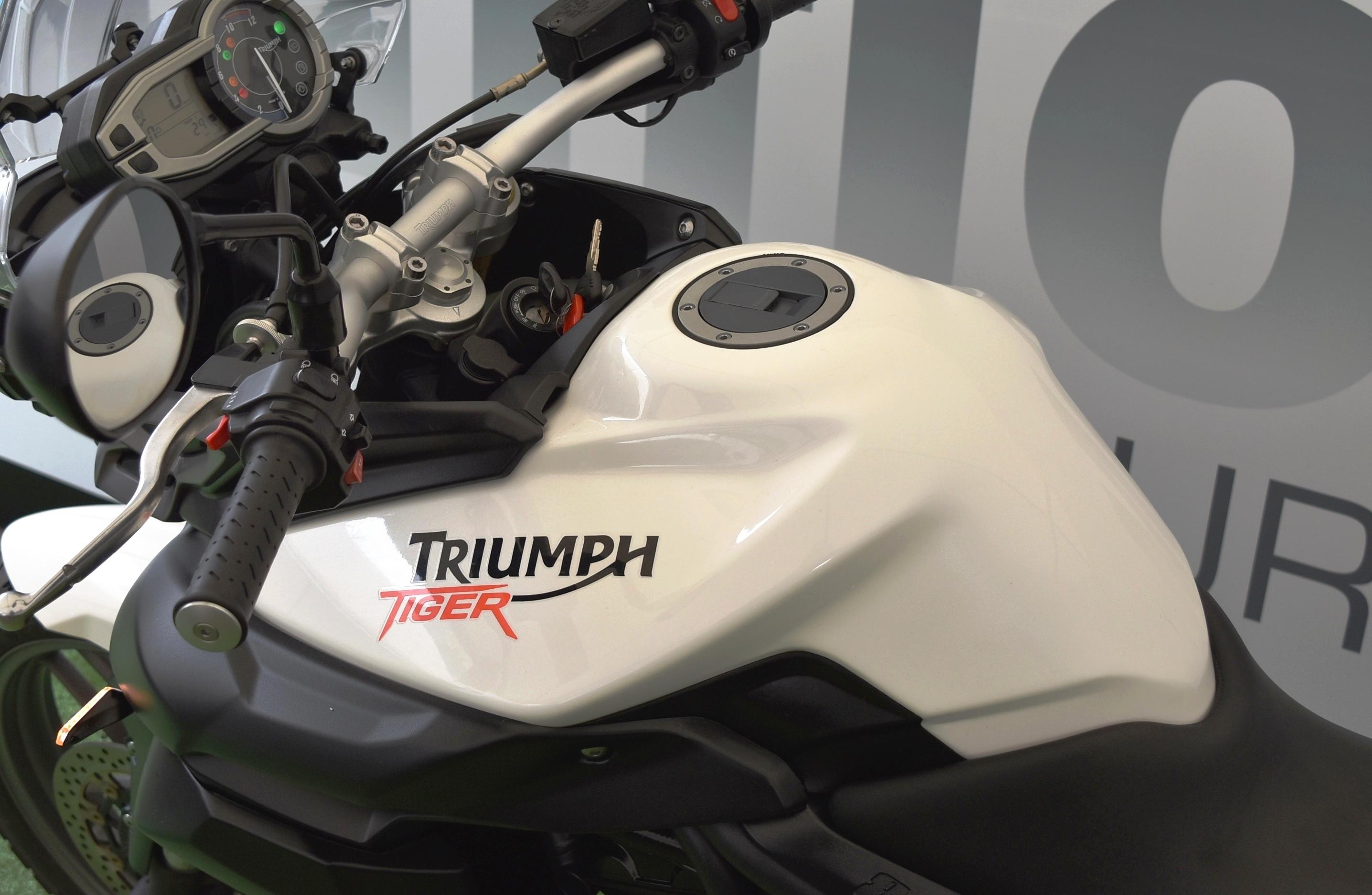 TRIUMPH TIGER 800 – 2010
