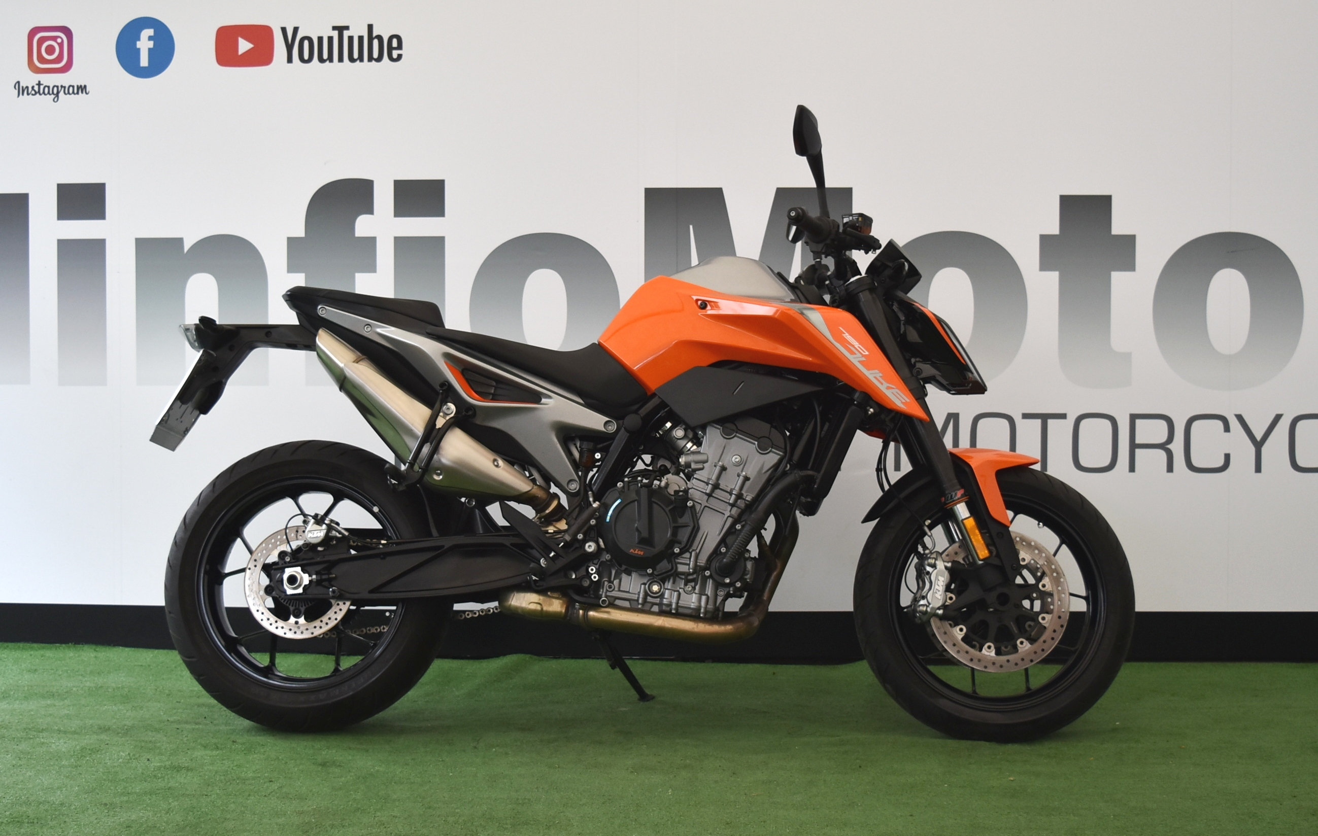 KTM 790 DUKE L – 2019 PATENTE A2