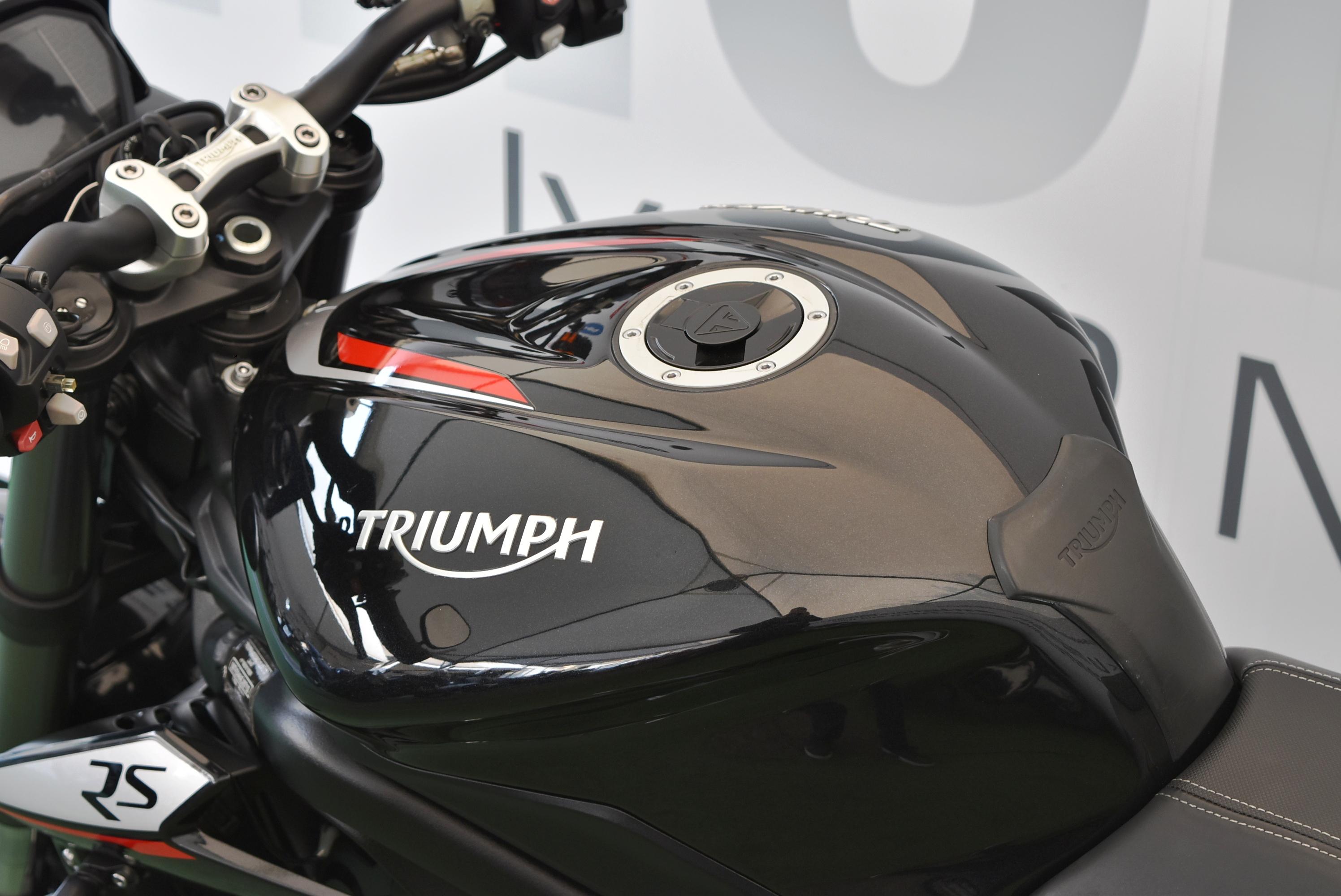 TRIUMPH STREET TRIPLE RS – 2018